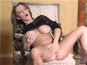 scorching Jenna Presley toying with her tasty pink raw cootchie until she blows a load