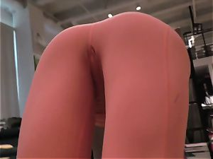 Yoga lady booty-fucked in point of view
