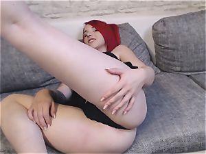 Camgirl Nina satan zeigt sich im Wetlook