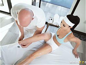 Oily slippery deep labia massage with Ariana Marie
