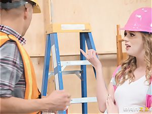 Dolly Leigh penetrated on the job