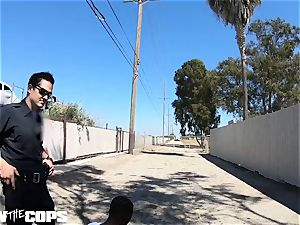 poke the Cops - white lady cop pummeled by 3 BBCs