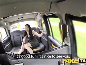 faux taxi bone greedy client gets a free rail