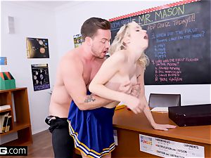 Cheerleader Chloe Couture humps her dearest tutor
