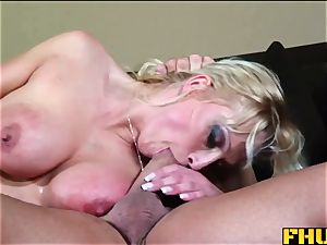 FHUTA cougar Takes it up the culo