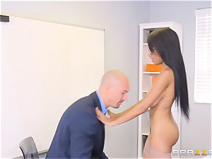 nude boss Britney white entices employee