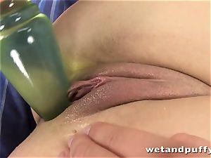luxurious buxom dame handballing her moist pussy