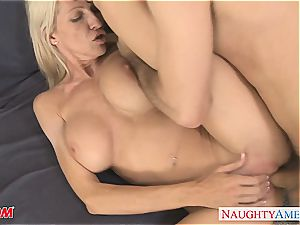 tattooed light-haired mommy Emma Starr penetrating
