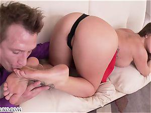 Foot-fetish. Mature cutie fate Dixon enjoys varied fuck-fest