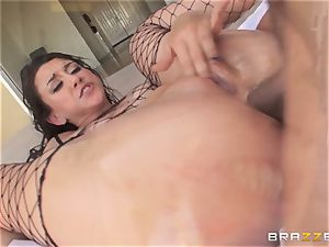 Mandy Muse takes manstick in her greased up gaping culo
