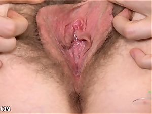 Apricot Pitts opens broad her hairy cunt