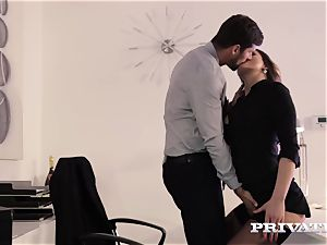 Private.com assistant Barbara Bieber drills her manager