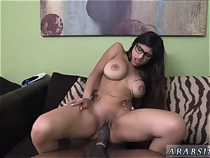 enormous booty muslim Mia Khalifa attempts A big ebony pecker