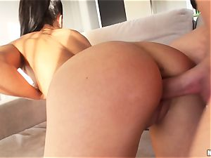 Apolonia Lapiedra lets her guy come in her sweet bum