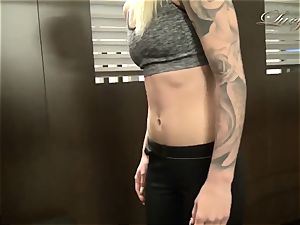 Lucy Cat - Real amateur German pornography in the gym