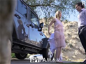 SPYFAM Step step-sister CREAMPIED for bruising car