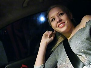 lovely Lola Taylor gets yummy tearing up on the back seat