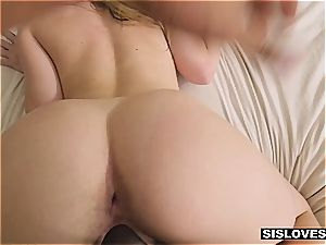 hot Jayden provokes her stepbro with her yummy rump