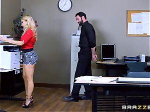 Ashley Fires ass-fuck