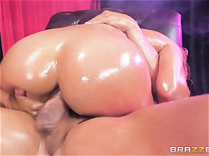 Oily caboose jammed Mercedes Carrera