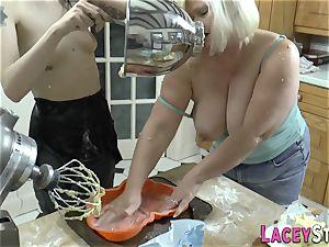 glazed caked les grannie