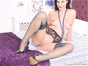 big-titted honey takes off off drains in pumps retro nylons