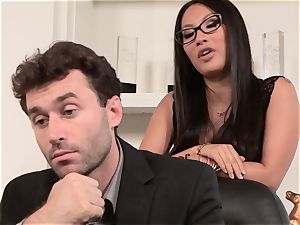 Asa Akira bangs tasty pecker over the office desk