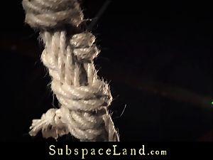 Chica bearing bondage & discipline slapping