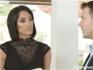 FuckingAwesome Chloe Amour gets poked by MMA fighter