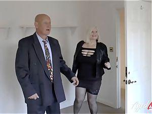 AgedLovE Mature female Lacey Starr deepthroating hard weenie
