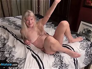 EuropeMature ash-blonde hairy grannies Cindy and Sami