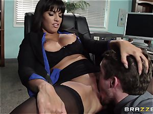 latin secretary Mercedes Carrera seduced her fresh manager in the office