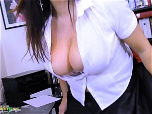 OldNannY enormously big-titted Mature Lulu Showoff