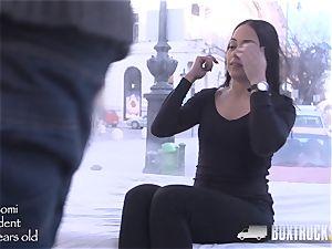steamy small Nomi Malone gets a facial