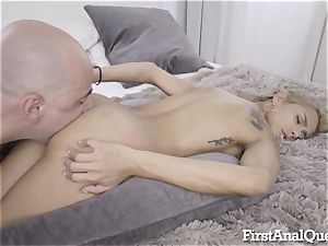 Columbian Squirter Gets anal creampie
