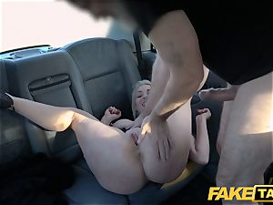 faux cab blonde cougar Victoria Summers poked in a taxi
