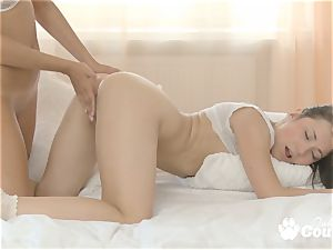 Pretty honeys in hot and romantic lezzy hook-up