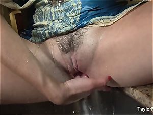 Taylor Vixen plays with her twat in the kitchen drown